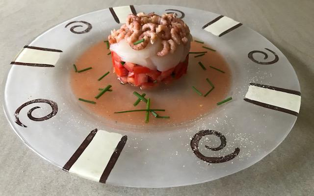Tartare de tomate avec coquilles Saint Jacques